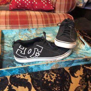 DC men's skate shoe